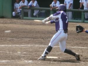 3番小泉は3回の2ラン本塁打に続きレフト前タイムリー