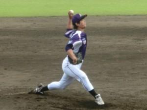 5回二死2塁三塁でリリーフにあがった山崎はピンチを押さえた。